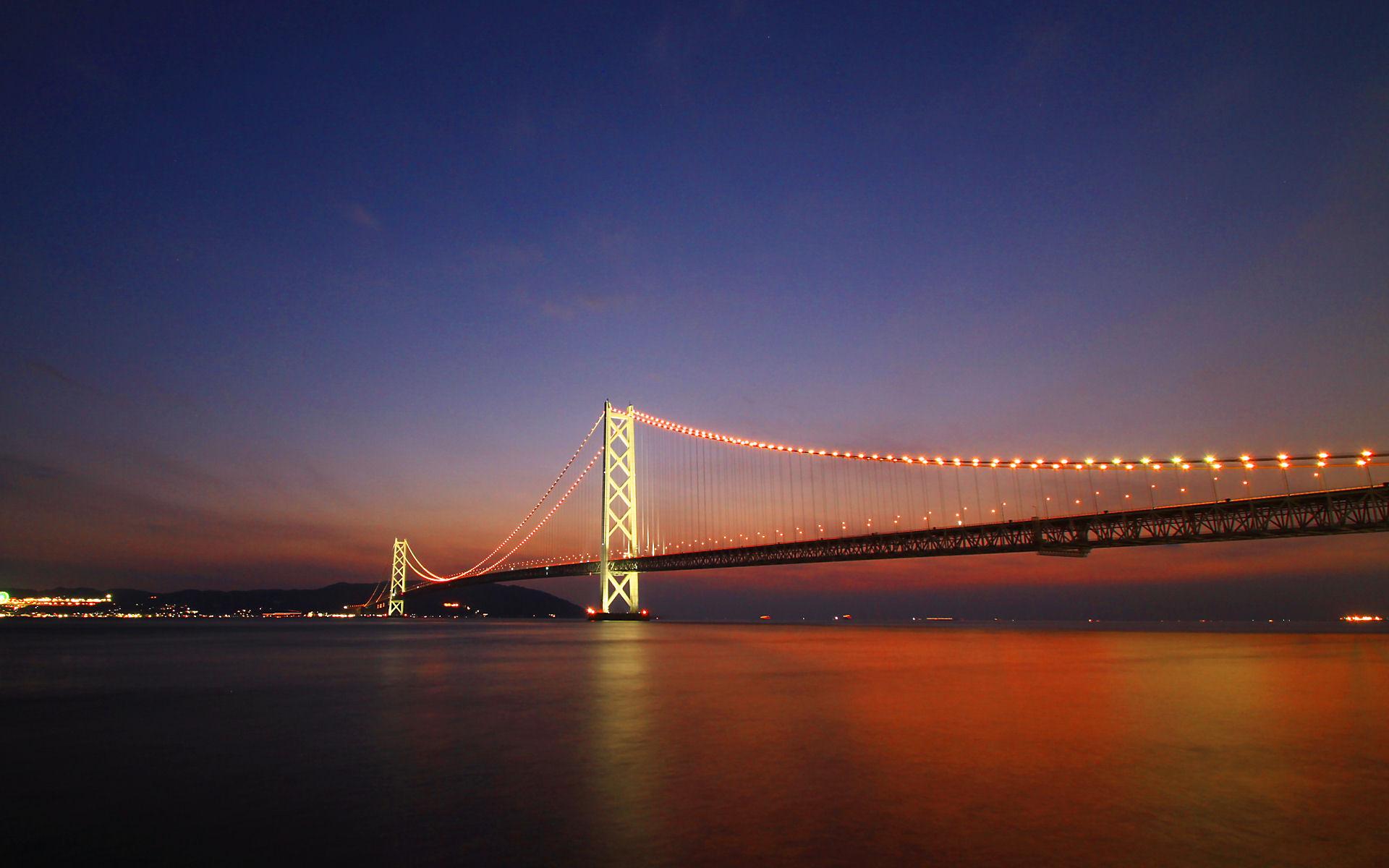 明石海峡大橋の夕景・夜景・イルミネーション