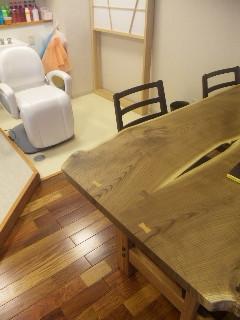 かっこええテーブル