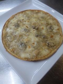 マッシュルームピザ