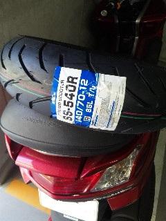 新品タイヤ