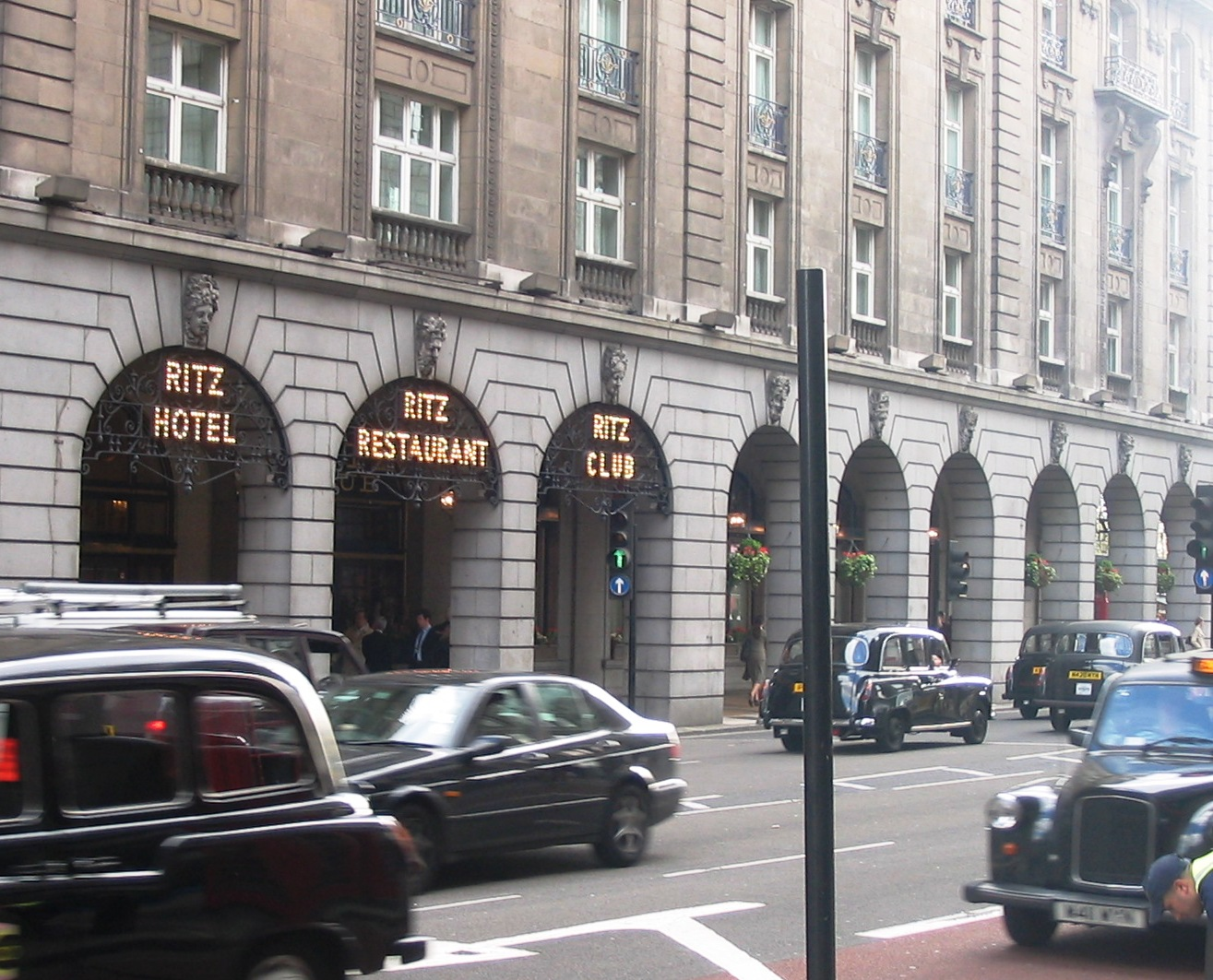 The_Ritz_on_Piccadilly.jpg