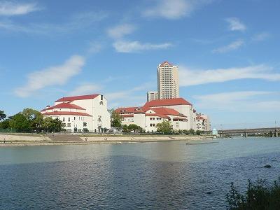 宝塚歌劇場を遠望