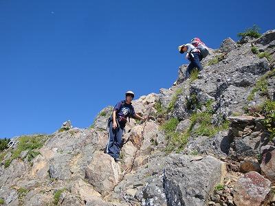 赤岳からの下りは難所です
