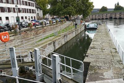 水門操作 閘門です1.8mの水位差があります