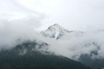 モンブランエクスプレスから突然見えた山