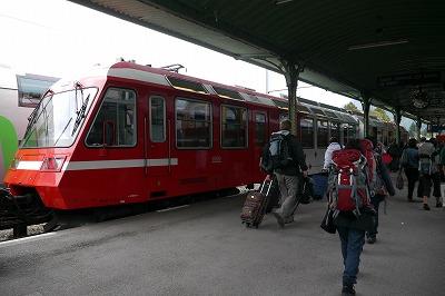 サンジェルベ駅でモンブランエクスプレスに乗り換え