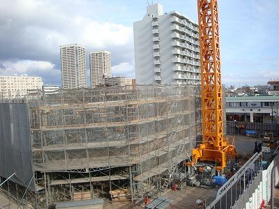 南口駅前で進む再開発の再開発