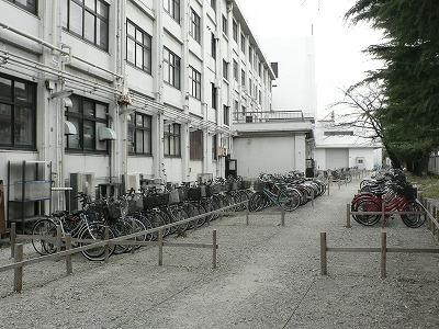 自転車置き場になってしまいました