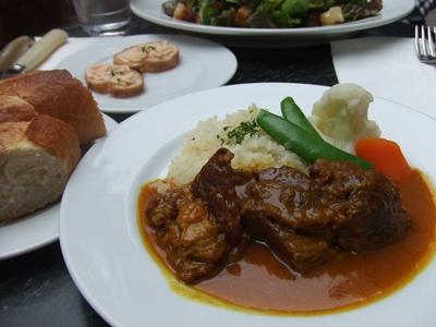 ビストロカフェ Le Lion (ル・リオン) 小羊のカレー煮込み