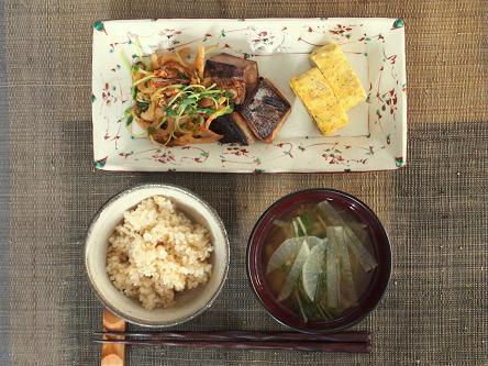 鰤とレンコンのピリ辛焼き定食