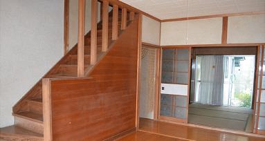 平原戸建玄関