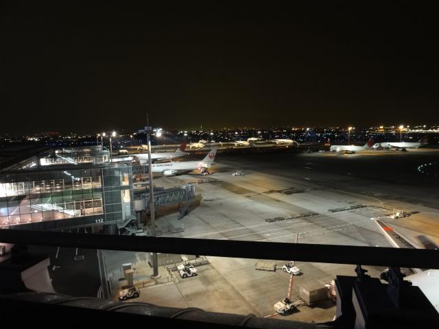 夜の空港2
