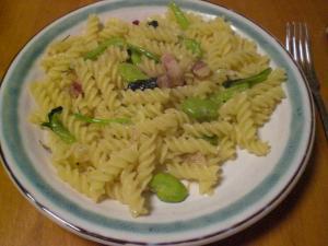 空豆・ベーコン・青菜のパスタ