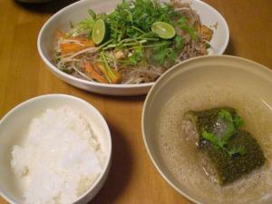 春雨の炒め物とゴーヤのスープ
