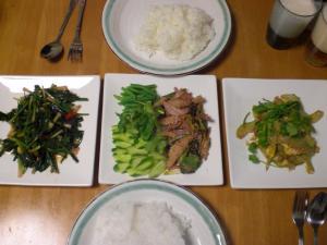 豚トロのサラダ