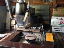 囲炉裏と薪ストーブ