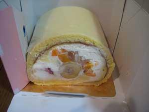 藤沢 フルーツロールケーキ