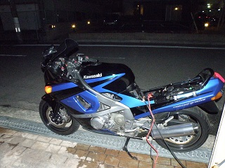 ZZR400421.jpg