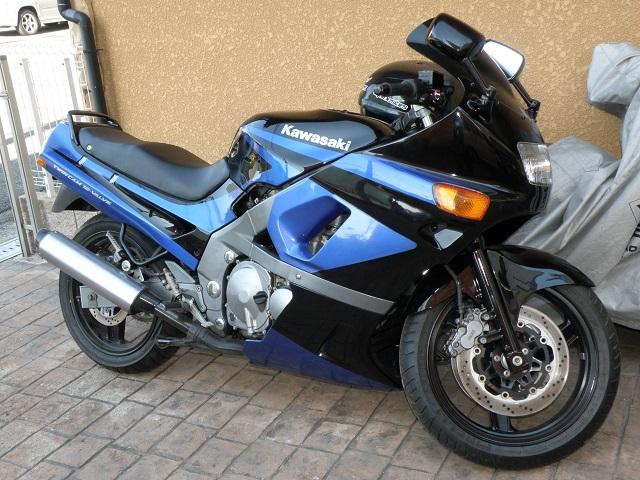 ZZR400438.jpg