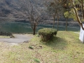 ダム湖畔のキャンプ場