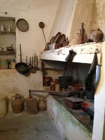 洞窟式住居キッチン