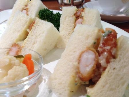 小海老フライのサンドイッチ