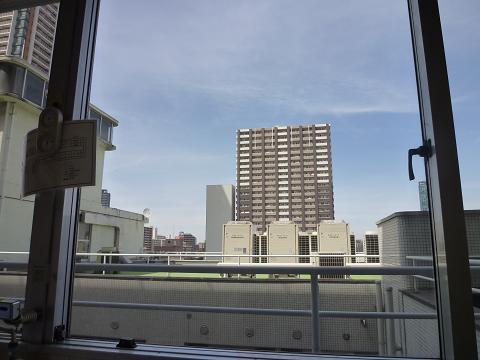 病室窓から