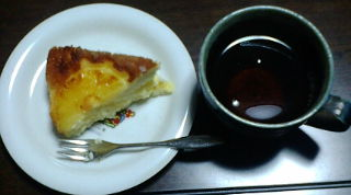 パインケーキと紅茶