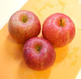まるごとりんごケーキ1