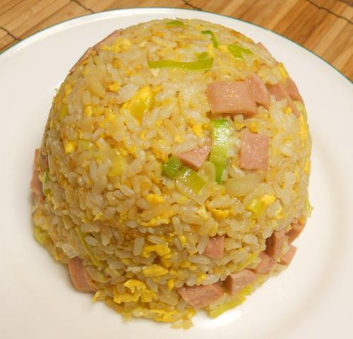 魚肉ソーセージチャーハン8