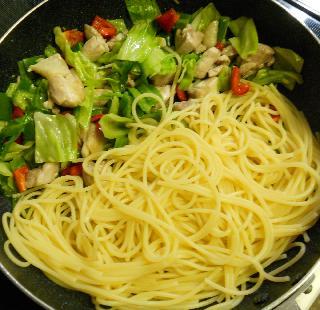 鶏と野菜のお月見スパゲティ4