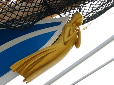 海王丸船首の像