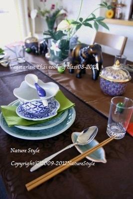 タイ料理テーブル2