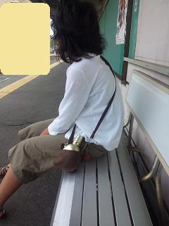 チンチン電車待ってます