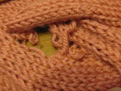 編み物 穴開き