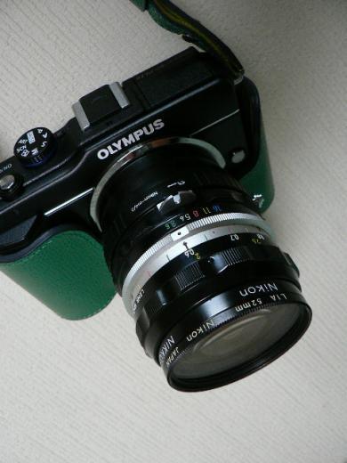 オリンパスPENに装着したNIKKOR-H Auto 1:3.5 f=28mm
