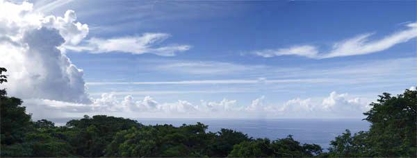 屋久島から沖縄方面を望む