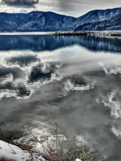 冬の余呉湖