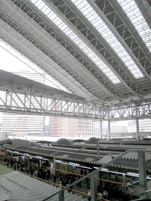 大阪駅大屋根01