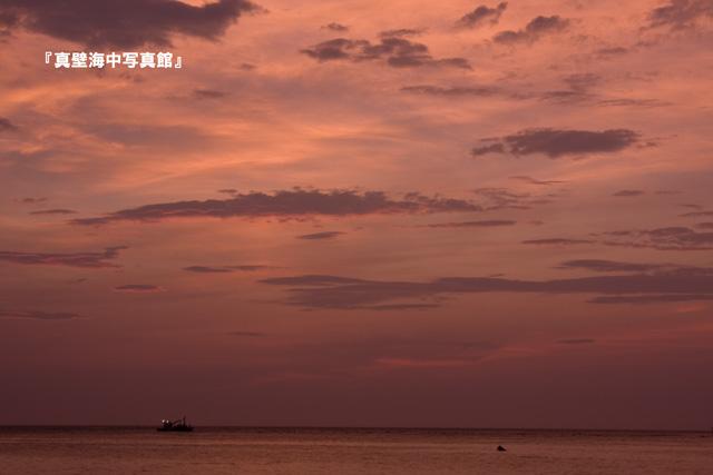07-1夜明けと船01