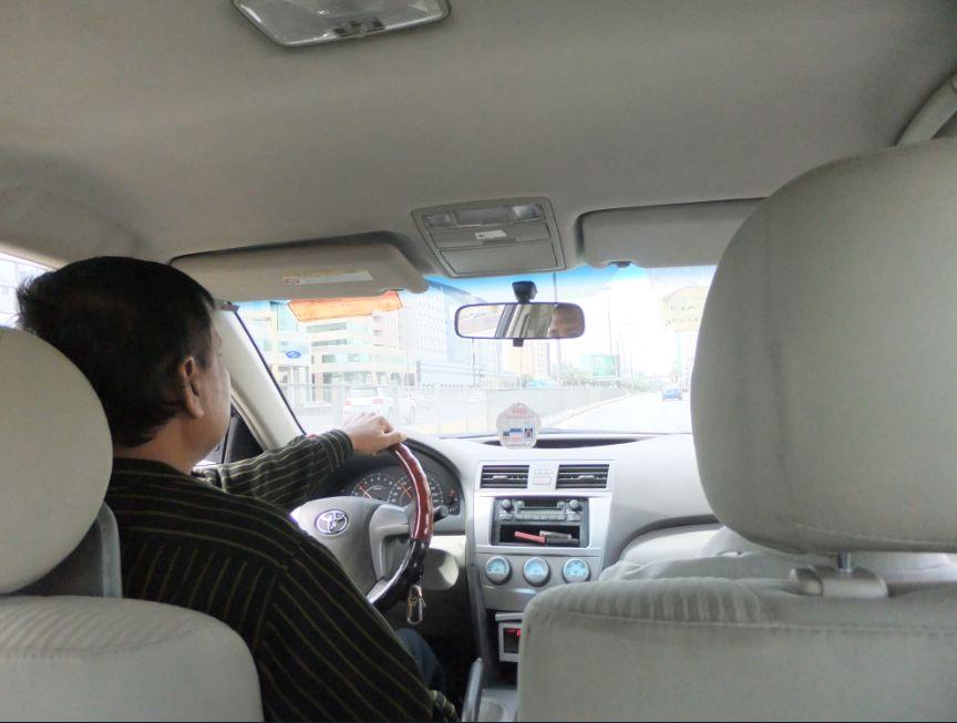 タクシーの運転手車はトヨタ