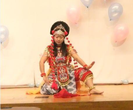 ンインドネシアのダンス