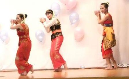 ンインドネシアのダンス3