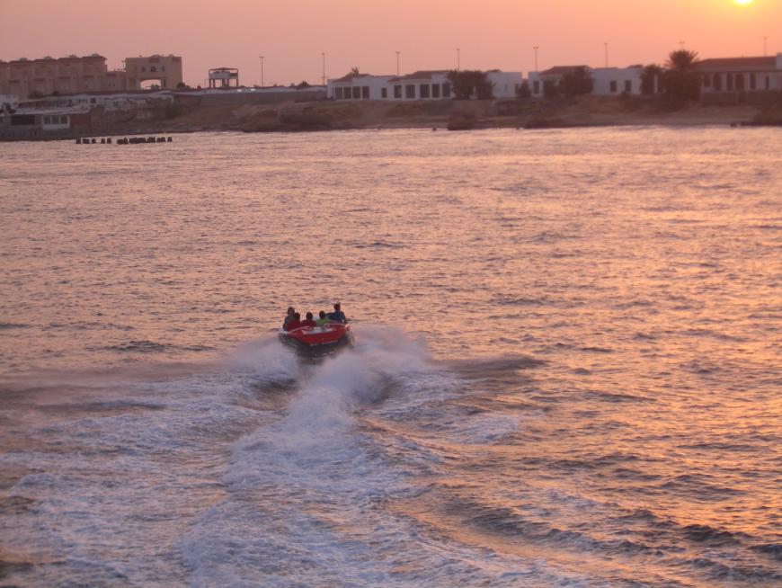 入り江ボート