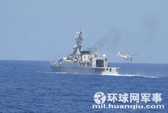 4月22日日本軍方公#20296;跟蹤拍攝中國海軍艦艇編隊,直9艦載直升機從541號導彈護衛艦起飛