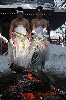 平笠裸参り04(2011.1.8)八坂神社にて