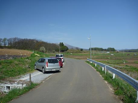 為内の一本桜の駐車場(2010.5.10)