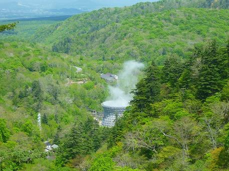 松川大橋から地熱発電所(2010.6.2)