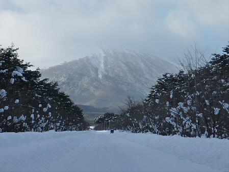 焼走りへ向かう岩手山(2011.1.13)