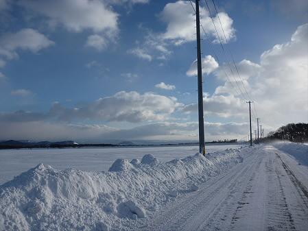 上坊牧野と雪と空(2011.1.13)